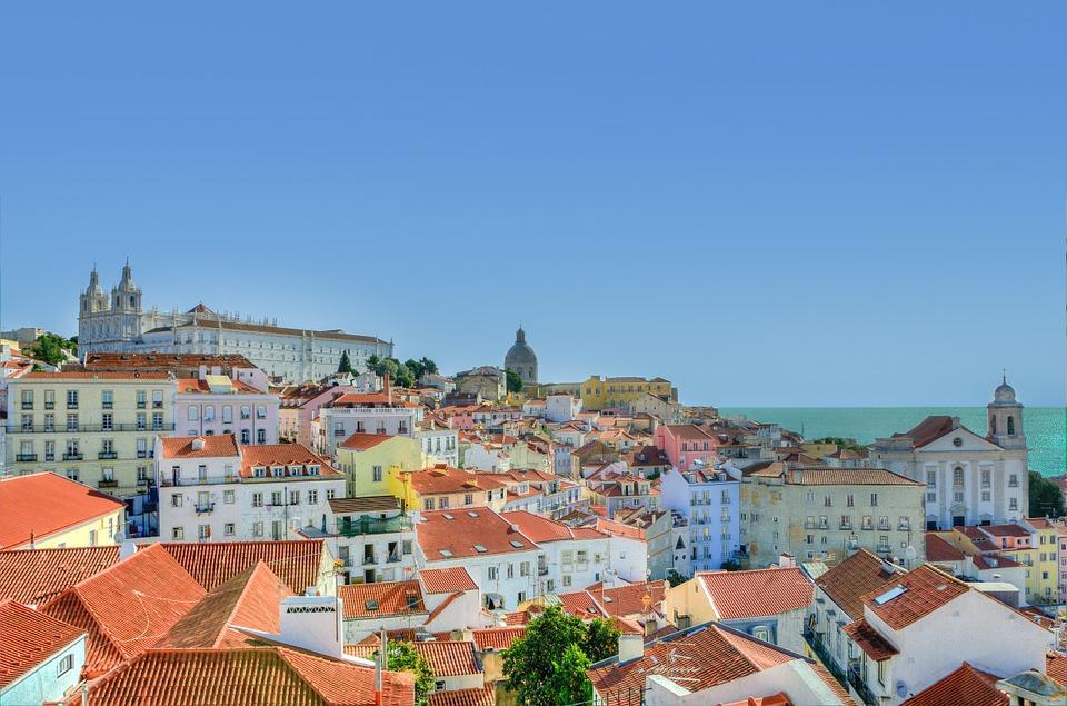 Vistas desde un miradouro en Lisboa, Portugal