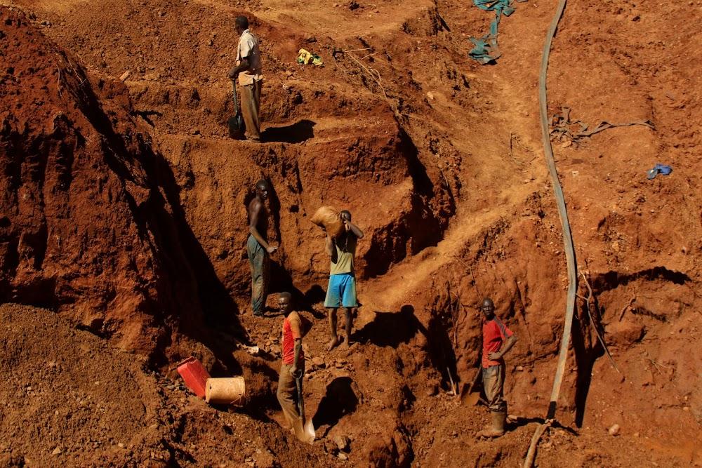 Recovery operations begin at Zimbabwe mine
