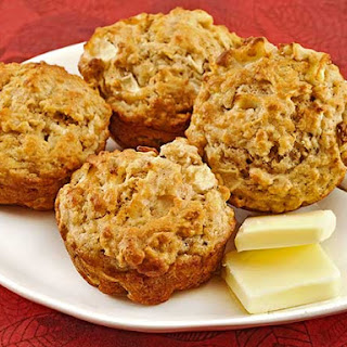 Apple-Oatmeal Muffins.