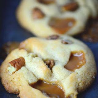 Salted Caramel Pecan Cookies Recipes.