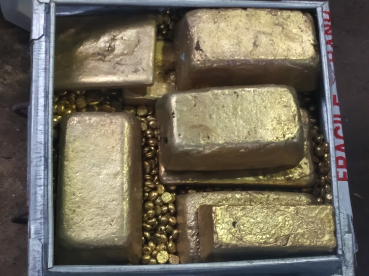 Fake gold bars and nuggets seized by Ruiru-based detectives from three suspects on Monday, May 3, 2021