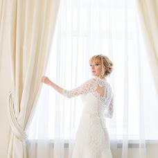 Wedding photographer Irina Tenetko (iralarisa). Photo of 07.06.2017