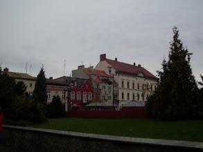 Photo: W głębi eklektyczny ratusz z połowy XIX w.