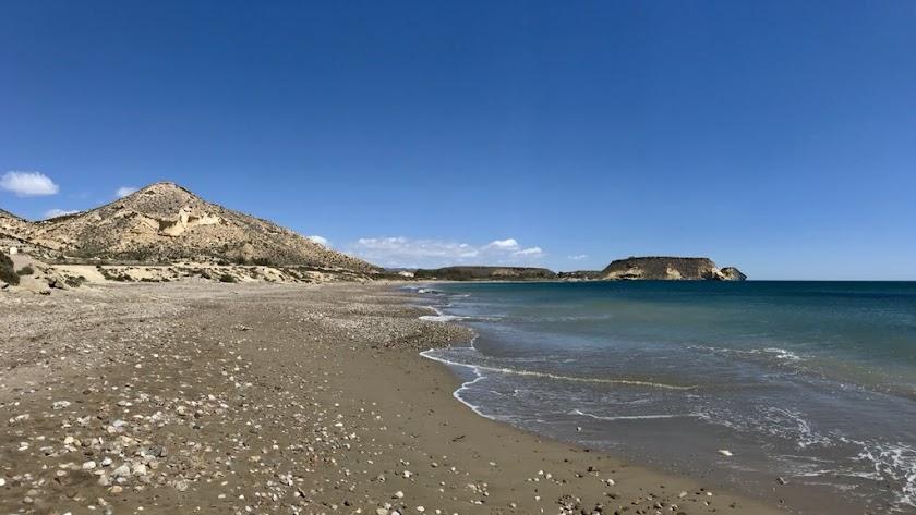 Imagen de la playa de Calataray, donde se ha encontrado el cuerpo.