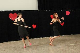 Photo: From Russia With Love (kor. A. Toivonen, tanssijat M. Koskinen, A. Saarikoski)