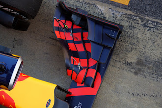 Photo: Red Bull Racing - RB12 Front wing