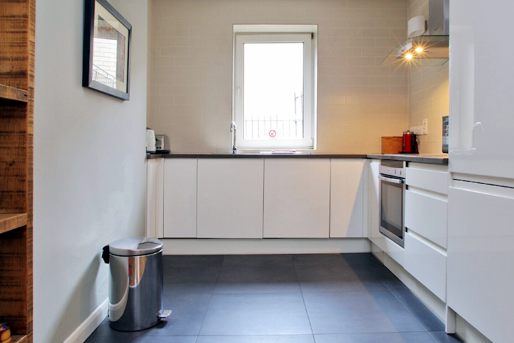 Full kitchen at Comfortable Waterloo Home SE1