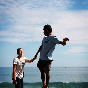 FLY WITH ME,,, by Mohammad Sinardi - People Couples