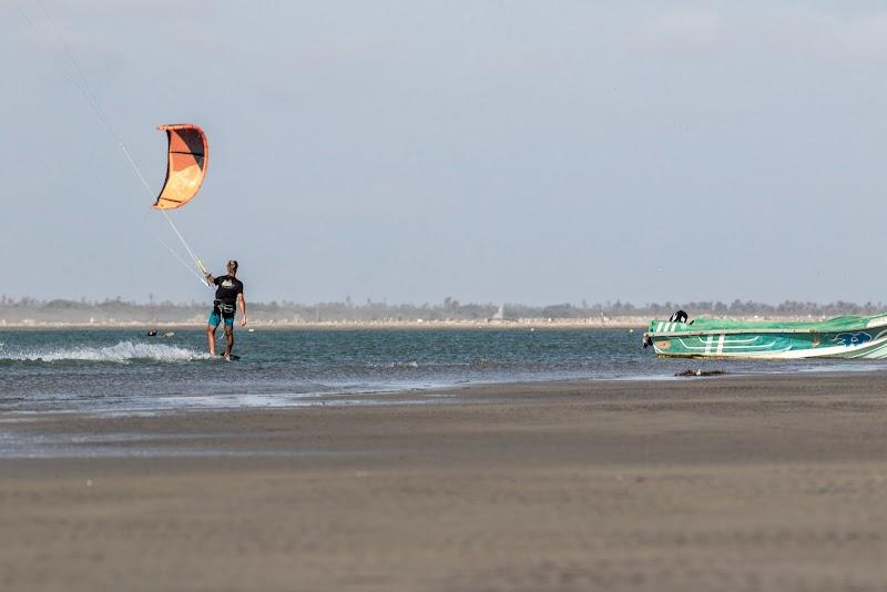 Sri. Lanka Mannar Kiteboarding. Cruising in Mannar kite spot