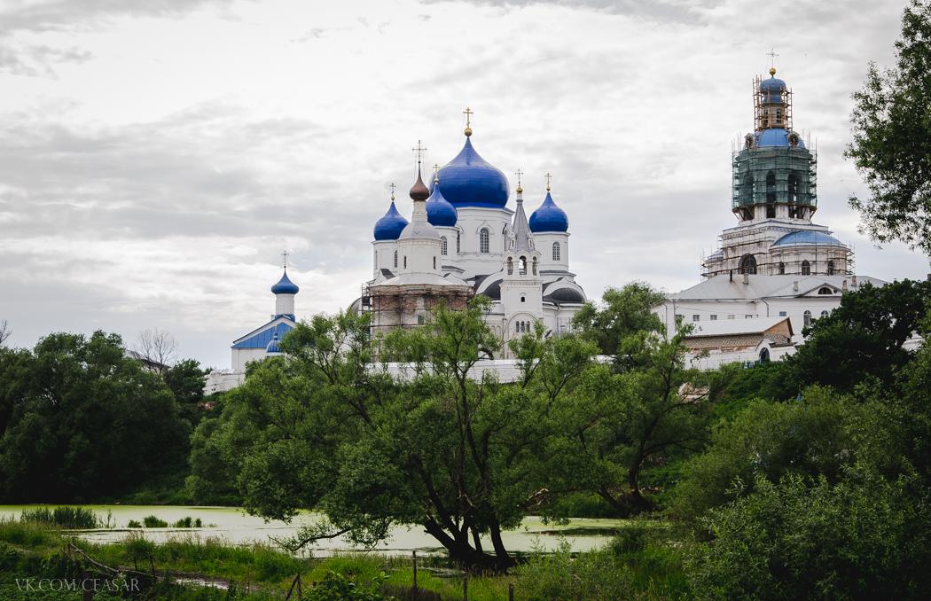 Монастырь в в Боголюбово