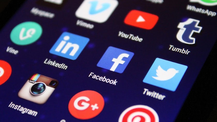 Ya funcionan la aplicación de mensajería WhatsApp y las redes sociales Instagram y Facebook.
