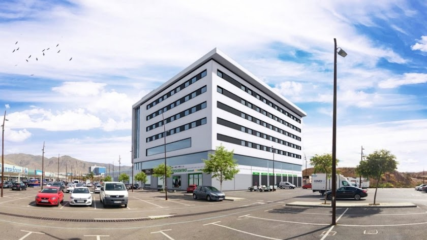 El nuevo hotel  junto al centro de negocios ya habilitado en el Centro Comercial de Vícar