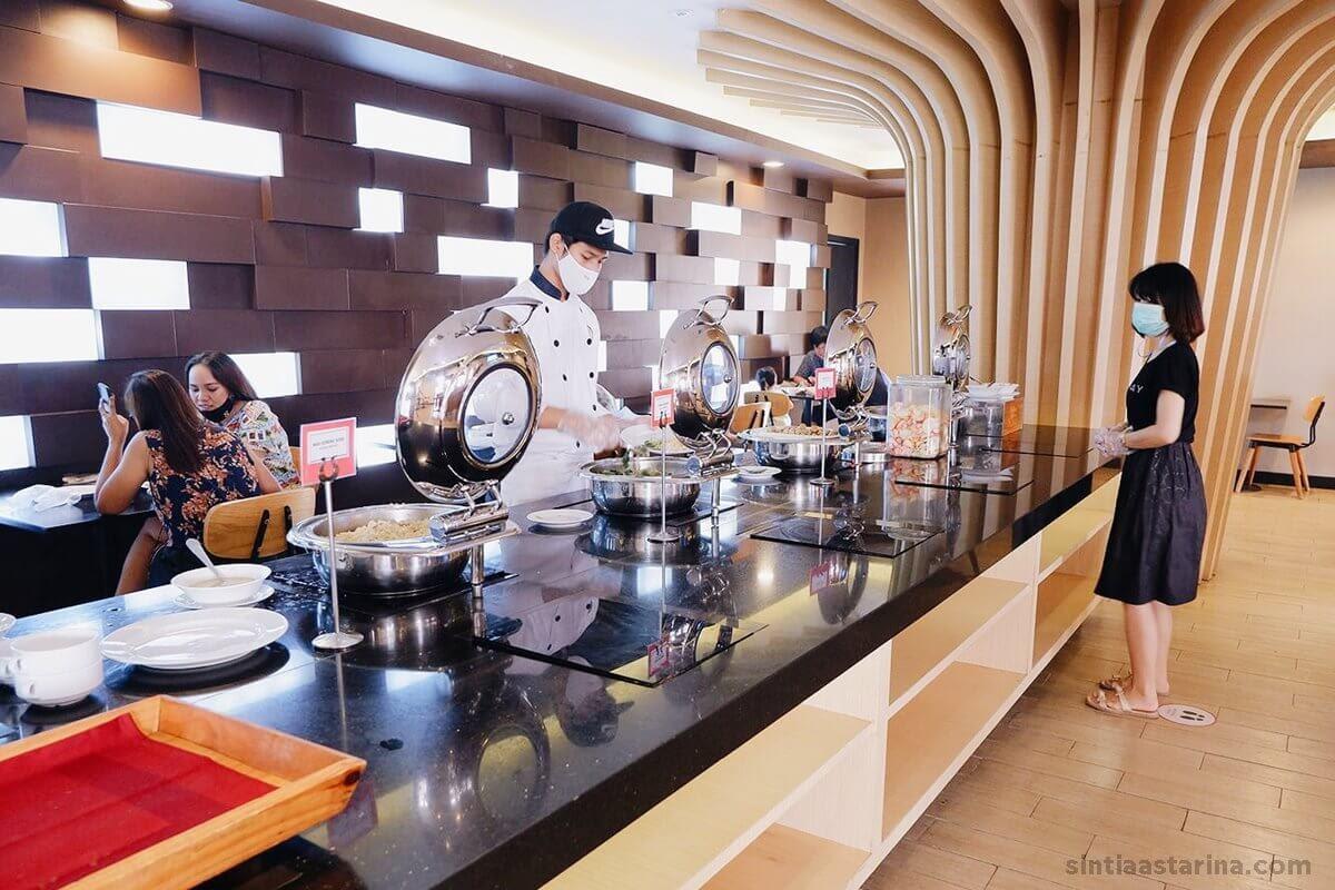 sarapan di ara hotel gading serpong mengikuti protokol kesehatan