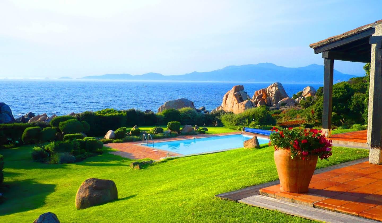 Propriété avec piscine en bord de mer Coti-Chiavari