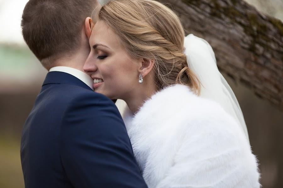 Wedding photographer Nastya Ladyzhenskaya (Ladyzhenskaya). Photo of 15.05.2015