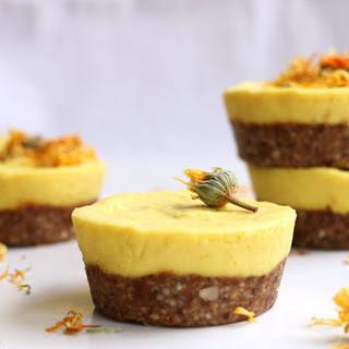 Raw Mango Cupcakes [Vegan].