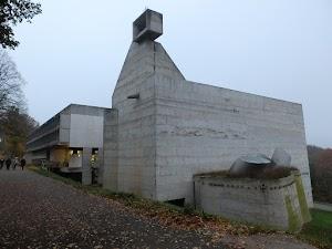 Droga do La Tourette - oto i klasztor