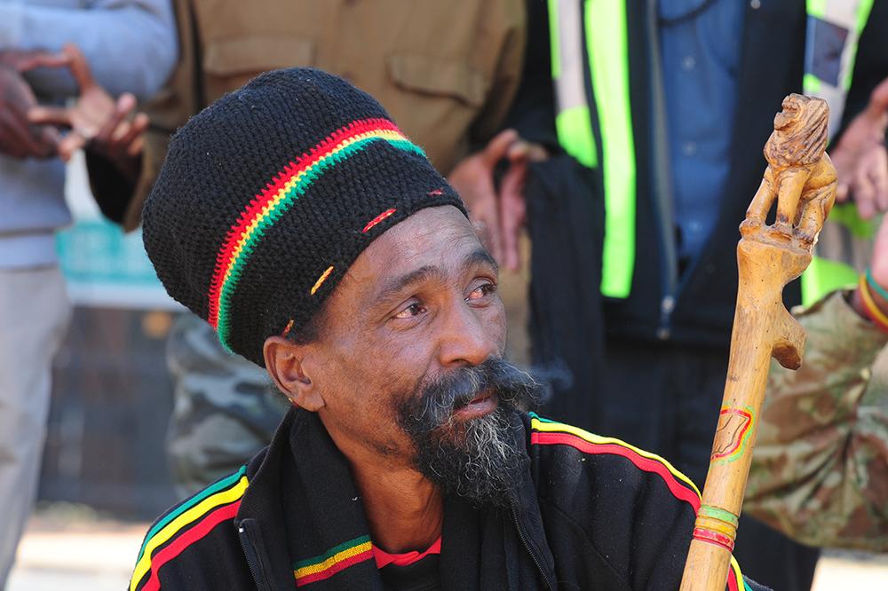 Rastafariese betogers vra verskoning vir artikel in die Sunday Times - TimesLIVE