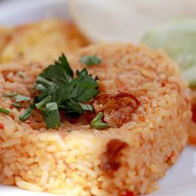 NASI GORENG by Posh Art - Food & Drink Plated Food ( #kulinerbarengaip #kulinerkaranganyar #kulinersolo #kuliner )