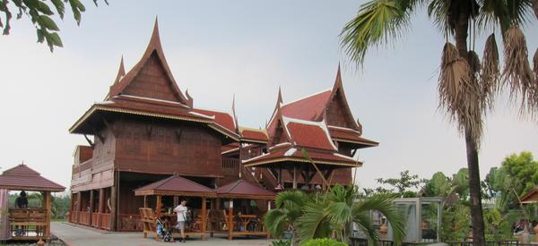 高腳屋,隱身內埔的泰國空間
