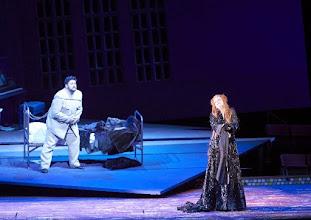 Photo: Wiener Staatsoper: TURANDOT. Inszenierung: Marco Arturo Marelli. Premiere 28.4.2016. Yussef Eyvazov; Lisa Lindström. Copyright: Wiener Staatsoper/ Michael Pöhn