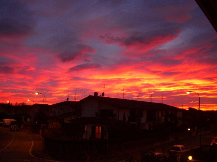 Il cielo è....rosso sopra le nuvole di rrouge
