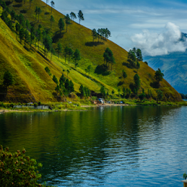 Paropo, Lake Toba by Kriswanto Ginting's - Landscapes Waterscapes ( water, hills, sumatera, waterscape, indonesia, green, nikon d7100, lake, lake toba, nikon )