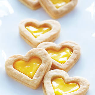 Lemon Curd Filled Sandwich Cookies.
