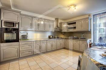 Maison 12 pièces 178 m2