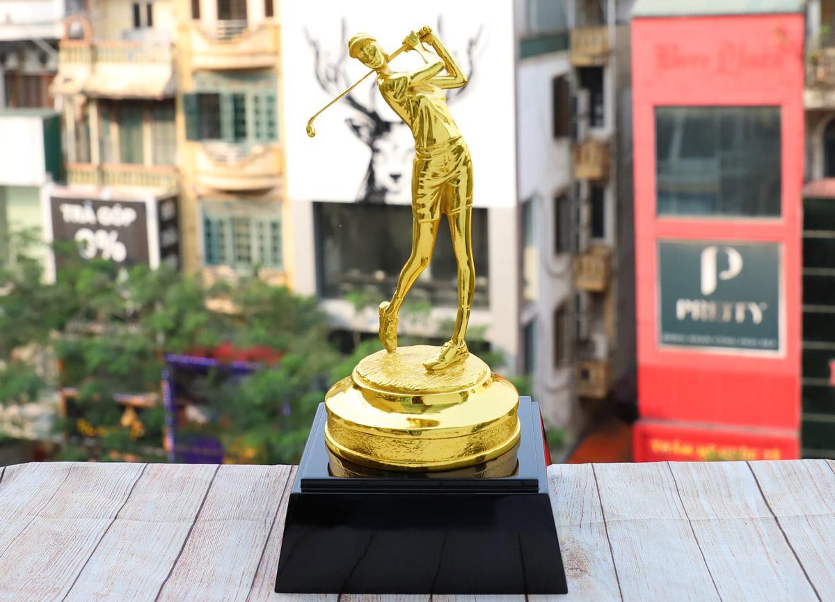 Chiêm ngưỡng những mẫu quà tặng cao cấp cho giải Golf tại Việt Nam - Ảnh 3