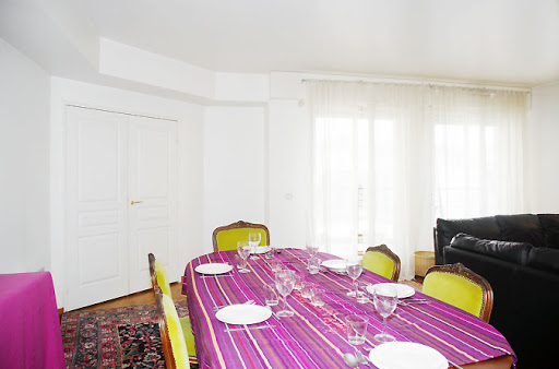 Dining space at 4 bedroom Apartment in Opera with Balcony