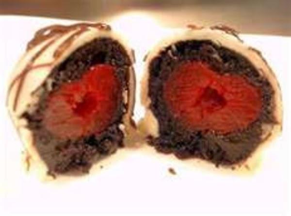 Chocolate Covered Cherry Cake Truffles Recipe
