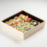 134. Sushi & Rolls Combo
