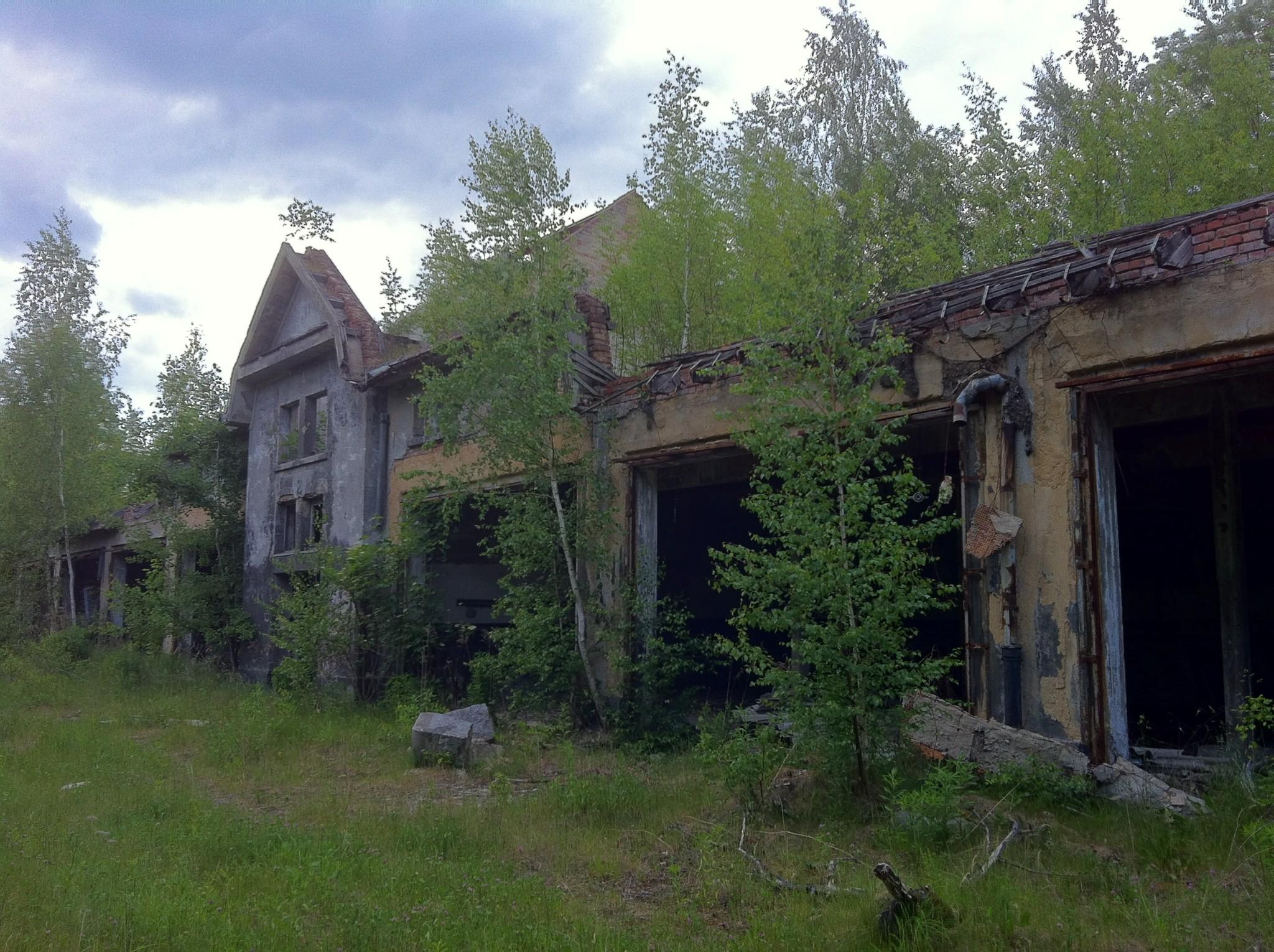 Photo: 1990 zogen die Russen ab und hinterließen die Kasernen.