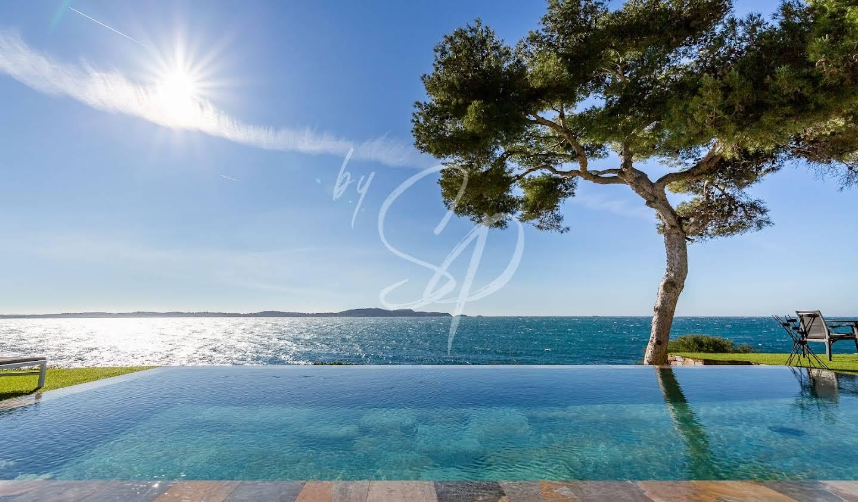 Propriété avec piscine en bord de mer Sainte-Maxime
