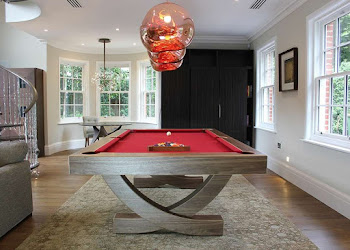 American Pool Table with Curved Legs