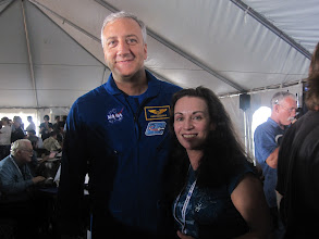 Photo: With astronaut Mike Massimino, last man who worked on upgrading the Hubble Space Telescope