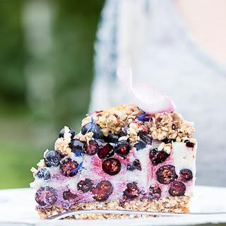 Raw Blueberry Oat Crumble Cake [Vegan, Gluten-Free]