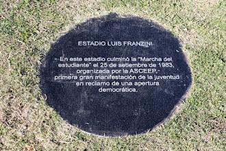 Photo: Marcas de la Memoria (11) Marcha del estudiante, 25/09/1983. Estadio Luis Franzini. Avda. Sarmiento y Avda. J. Herrera y Reissig. Placa conmemorativa.