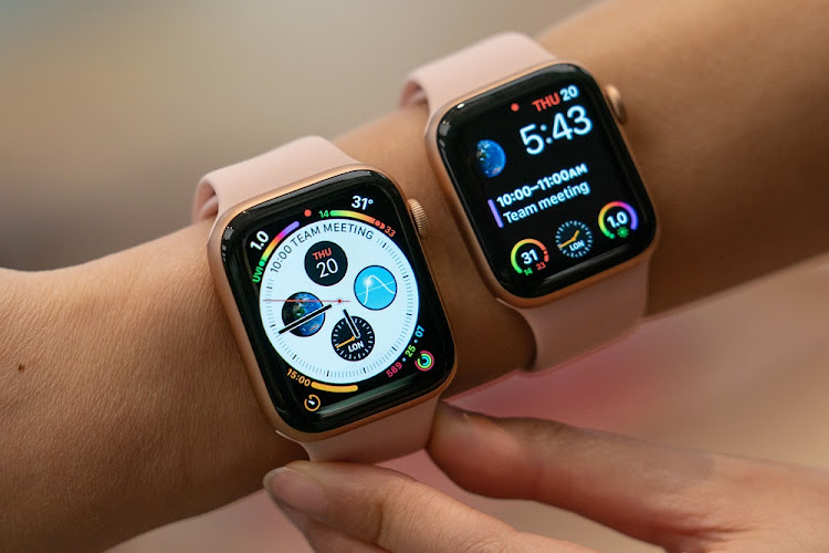 A Discovery Vitality and Apple-sponsored behaviour change study found that people considerably increased their exercise levels when faced with the choice of having to buy an Apple Watch or getting one free if they meet daily physical activity goals.. Picture: ANTHONY KWAN/BLOOMBERG