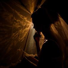 Wedding photographer Dmitriy Shumeev (wedmoment). Photo of 22.09.2017