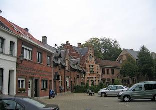 Photo: Bazel, belle petite bourgade, son château et son église
