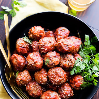 Sweet and Spicy Sriracha Paleo Meatballs {easy}
