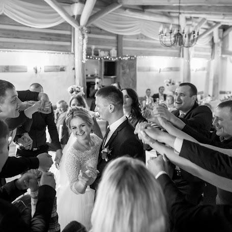 Wedding photographer Vyacheslav Slizh (slimpinsk). Photo of 04.12.2017