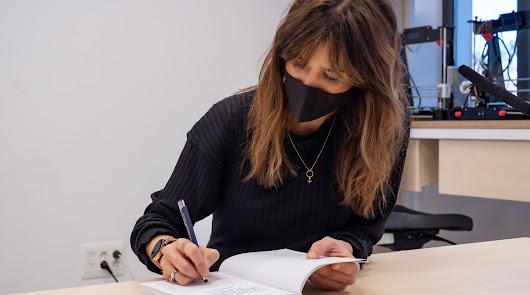 Isabel Jiménez presenta en Almería 'Y tú, ¿qué harías por salvar el planeta?'
