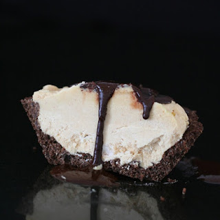 Individual Frozen Peanut Butter Pies – Low Carb and Gluten-Free