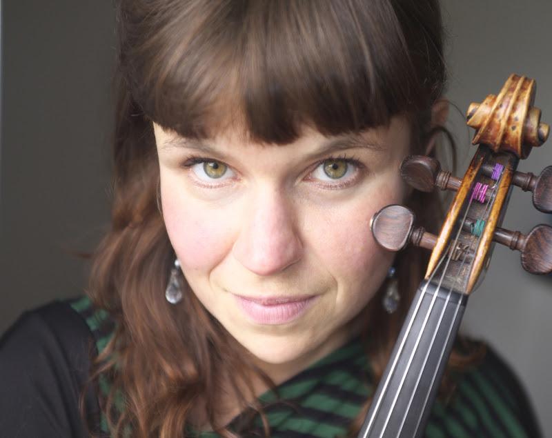 Claire Lechien - violin