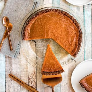 Vegan Gingerbread Pumpkin Pie