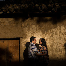 Wedding photographer Guimer Montaño (GuimerMontano). Photo of 24.11.2017