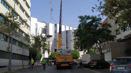 La Biblioteca Villaespesa, a medio gas por unas obras de climatización